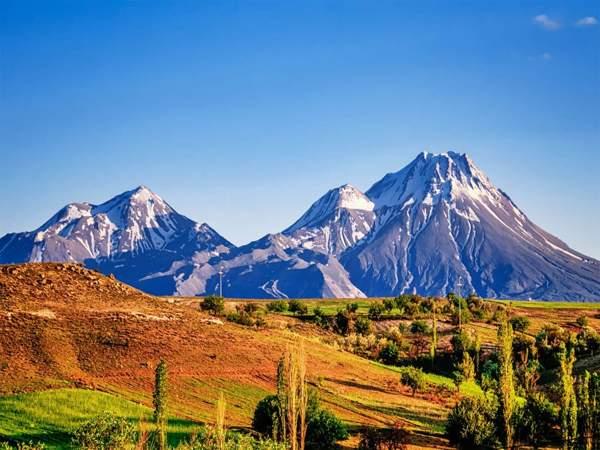 Mơ thấy núi là điềm gì